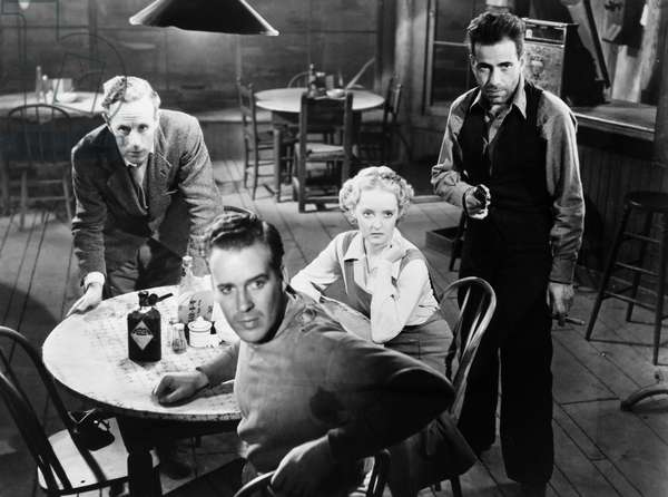 THE PETRIFIED FOREST, 1936 Leslie Howard, Humphrey Bogart, Bette Davis and Dick Foran in a scene from the film.