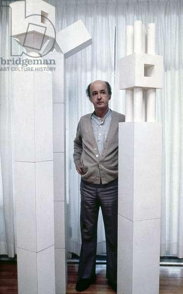 LOUIS ARCHAMBAULT  (1915-2003). Canadian sculptor,  c.1975 (b/w photo)