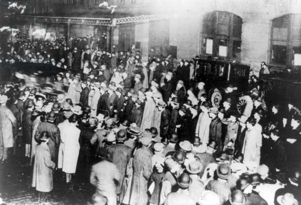 TITANIC: NEW YORK CROWD A crowd in New York City awaiting survivors from the RMS 'Titanic.' Photographed 18 April 1912.