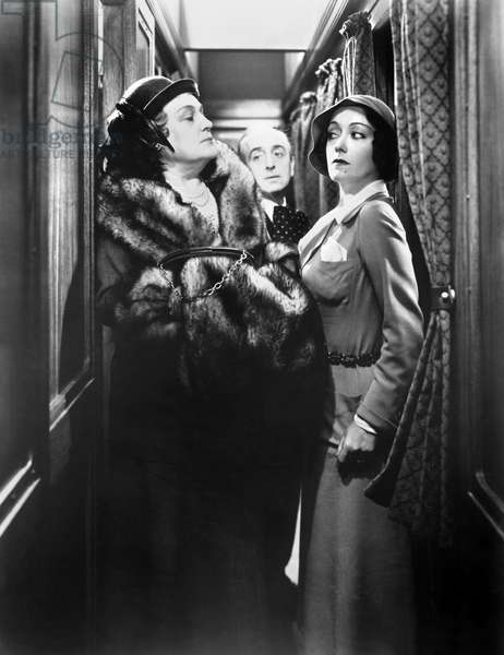 FILM: TONIGHT OR NEVER Alison Skipworth, Ferdinand Gottschalk, and Gloria Swanson in 'Tonight or Never' directed by Mervin LeRoy, 1931.