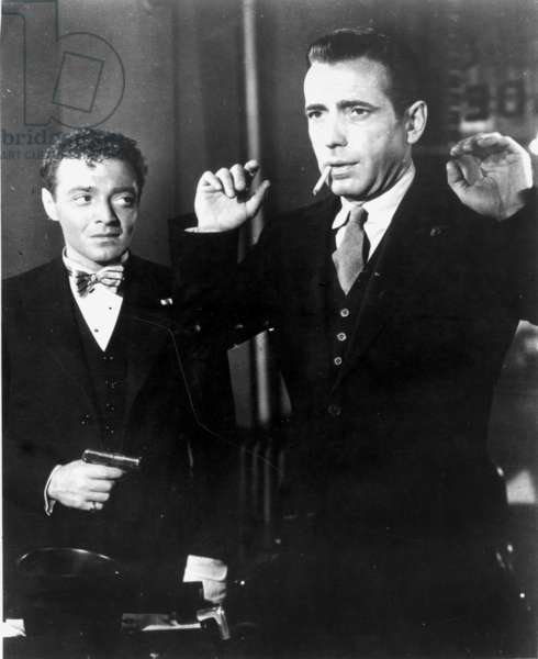 THE MALTESE FALCON, 1941 Peter Lorre and Humphrey Bogart in a scene from the film.