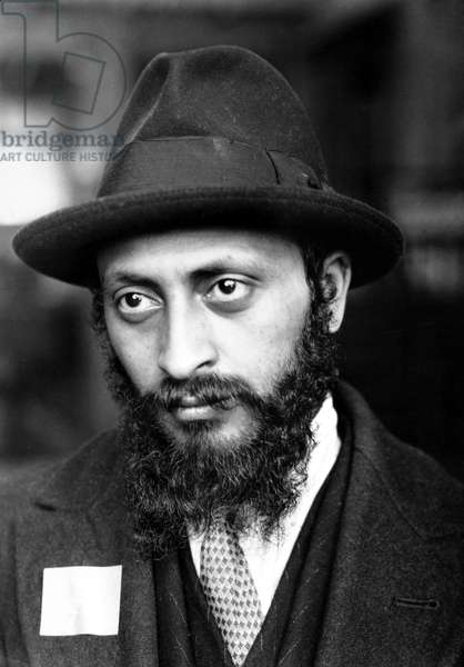 ELLIS ISLAND: IMMIGRANTS An Armenian Jew at Ellis Island. Photograph by Lewis Hine, c.1905.