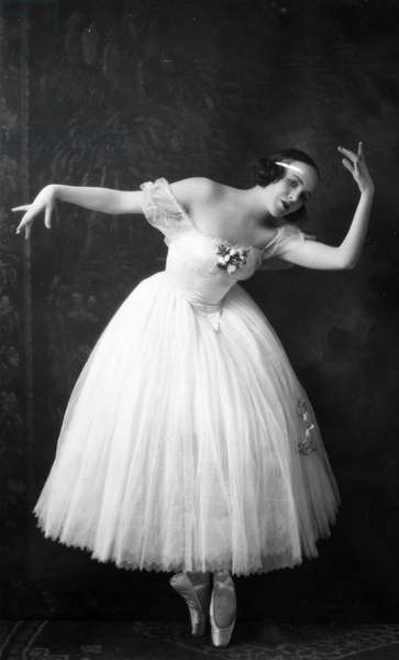 BALLERINA, 20th CENTURY An unidentified ballet dancer, early 20th century, photograph.