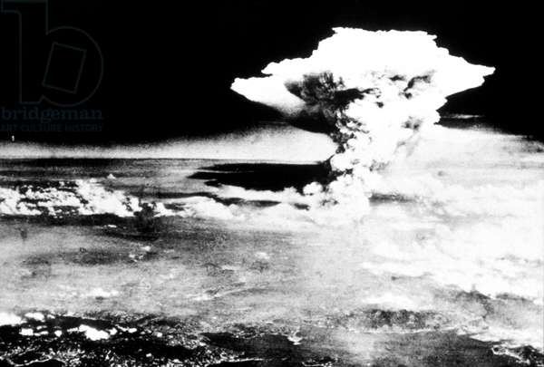 WWII: HIROSHIMA, 1945 Explosion of the first atomic bomb, at Hiroshima, Japan, 6 August 1945.