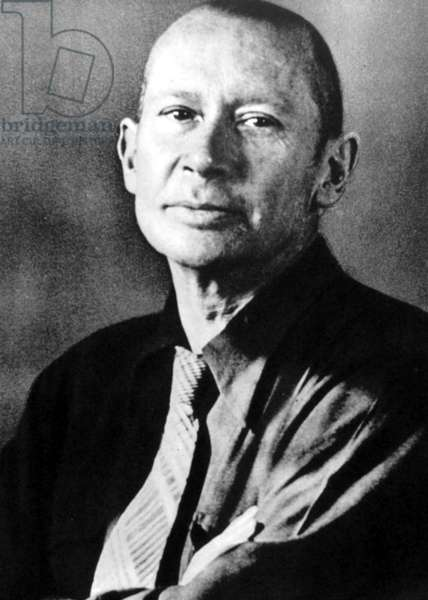 E.E. CUMMINGS (1894-1962) American poet and painter.
