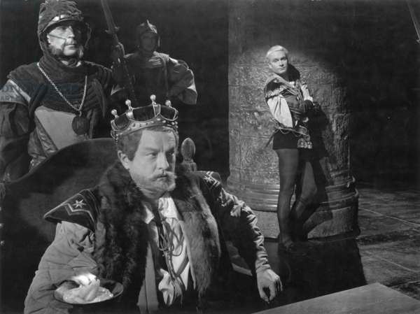 HAMLET: LAURENCE OLIVIER Sir Laurence Olivier in the title role of the 1948 production, Basil Sidney as King Claudius.