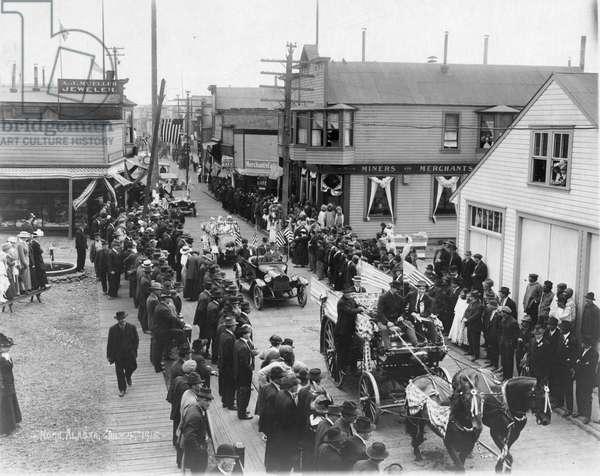 ALASKA: 4TH OF JULY, 1915 Fourth of July parade in Nome, Alaska, 1915.