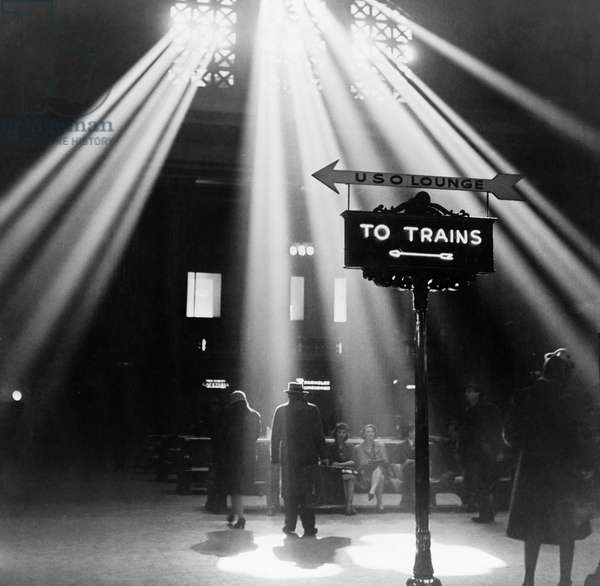CHICAGO: UNION STATION, 1943 The waiting room in the Union Railroad Station in Chicago, Illinois. Photograph by Jack Delano, January 1943.