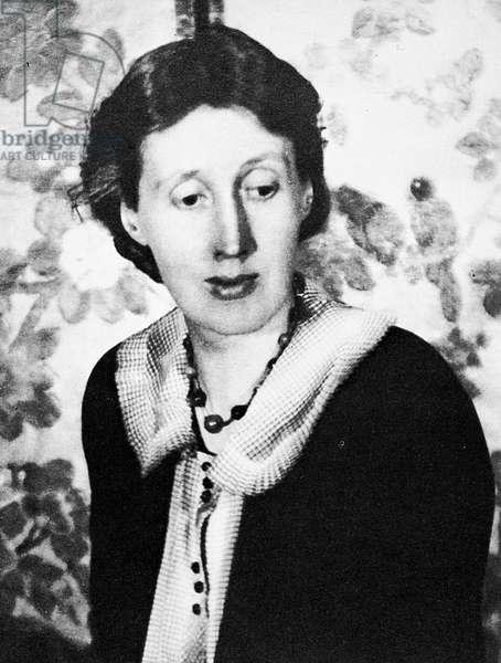 VIRGINIA WOOLF (1882-1941) English writer. Photographed c.1925.