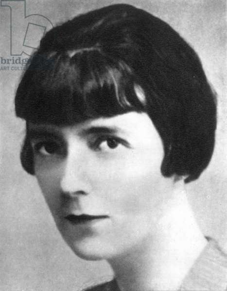 KATHERINE MANSFIELD (1888-1923). Pseudonym of Kathleen Beauchamp Murry, British writer.