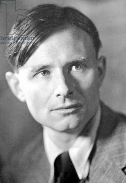 CHRISTOPHER ISHERWOOD (1904-1986). English writer.