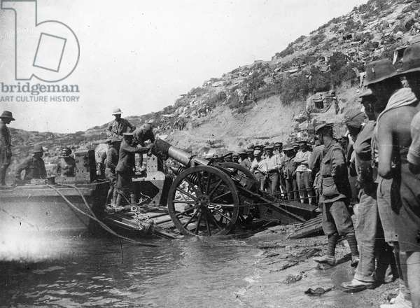 WORLD WAR I: GALLIPOLI Allied troops landing at Anzac Beach in the Dardanelles strait, during the Gallipoli campaign against Turkey in 1915 during World War I.