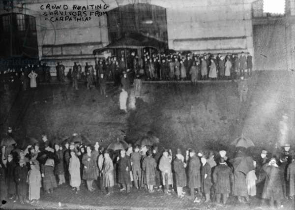NEW YORK: TITANIC CROWD A crowd at New York City awaiting suvivors from the 'Titanic' aboard the RMS 'Carpathia.' Photographed April 1912.