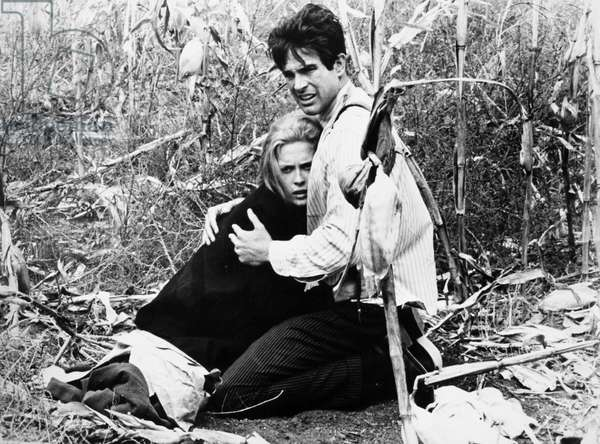 FILM: BONNIE & CLYDE Faye Dunaway and Warren Beatty in the title roles of the 1967 film 'Bonnie and Clyde.'