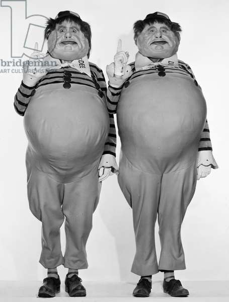 ALICE IN WONDERLAND, 1933 Roscoe Karns as Tweedledee (at left) with Jack Oakie as Tweedledum in the 1933 film version of 'Alice in Wonderland.'