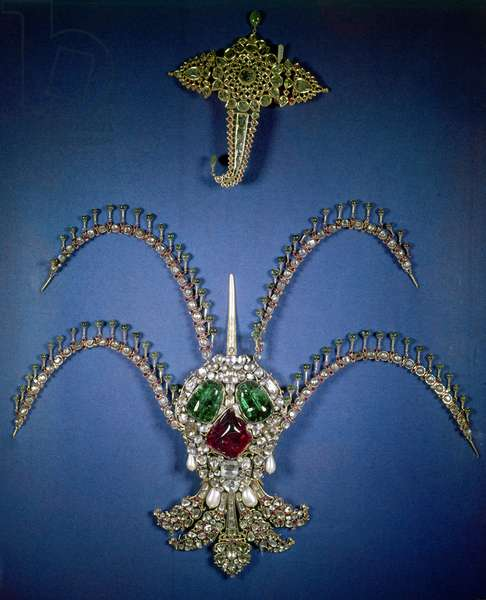 OTTOMAN EMPIRE: JEWELS Jewels from the crown of Sultan Suleiman the Magnificent (reigned 1520-1566).