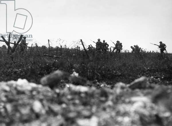 WWI: SOMME, 1916 British troops of the Wiltshire Regiment advance to attack near Thiepval, France, during the Battle of the Somme. Photograph, 7 August 1916.