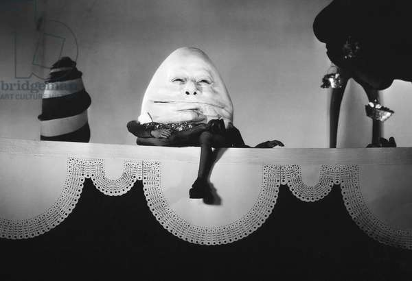 ALICE IN WONDERLAND, 1933 W.C. Fields as Humpty Dumpty in the 1933 film version of 'Alice in Wonderland.'