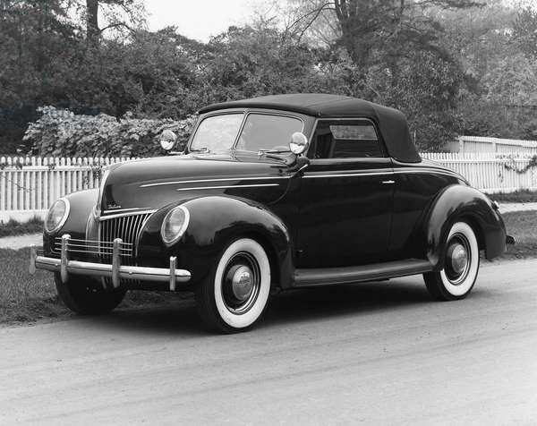 FORD COUPE, 1939 A 1939 Ford Deluxe Coupe. Photograph.