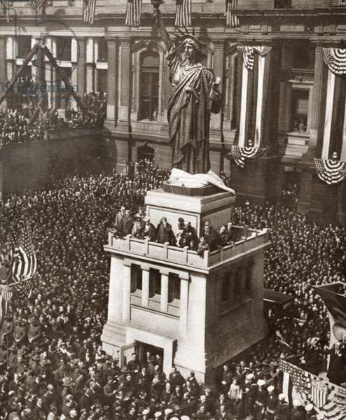 WWI: LIBERTY BOND DRIVE Reproduction of the Statue of Liberty unveiled in front of City Hall, Philadelphia, at the start of a new Liberty Loan campaign during World War I. Photograph, c.1918.
