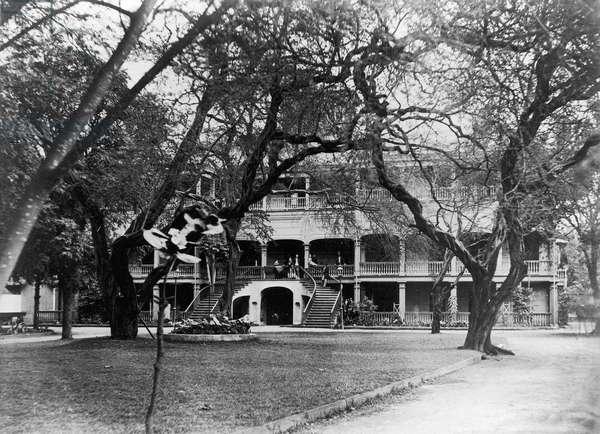 HAWAII: HOTEL, c.1875 A hotel in Honolulu, Hawaii. Photograph, c.1875.