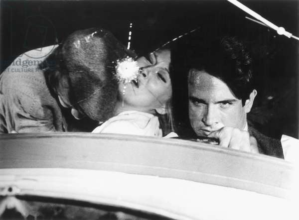 FILM: BONNIE AND CLYDE (Left to right): Michael Pollard, Faye Dunaway, and Warren Beatty, 1967.