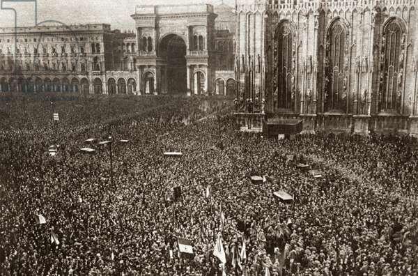 WORLD WAR I: MILAN, 1919 Crowd gathers to greet President Wilson in Milan, Italy. Photograph, 1919.