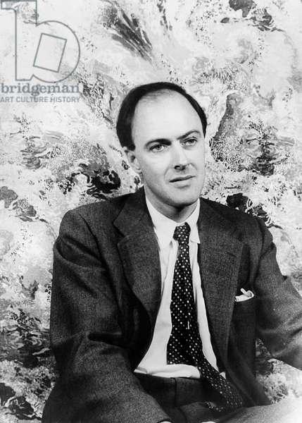 ROALD DAHL (1916-1990) British writer. Photographed by Carl Van Vechten, 1954.