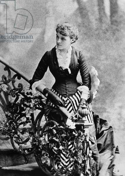 EDITH WHARTON (1862-1937) American writer, c.1884 (b/w photo)