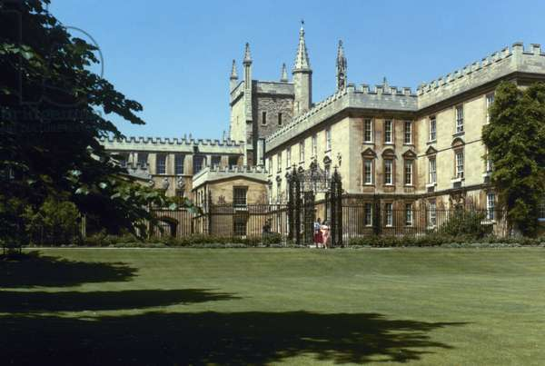 ENGLAND: NEW COLLEGE Oxford University.