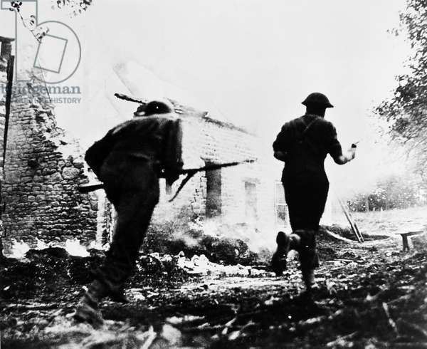 WORLD WAR II: ITALY, 1944 British soldiers during the invasion of Italy, 1944.