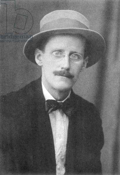 JAMES JOYCE (1882-1941) Irish writer. Photographed c.1917.