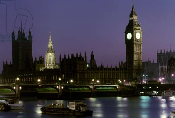 ENGLAND: LONDON Big Ben and Houses of Parliament from South Bank.