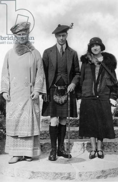 QUEEN MARY (1867-1953) Victoria Mary of Teck, Queen consort of King George V of Great Britain, with the Duke and Duchess of York. Photograph.