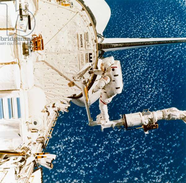 SPACE: ASTRONAUT, 1984 NASA astronaut Bruce McCandless II during a spacewalk during the STS-41-B mission. Photograph, 1984.