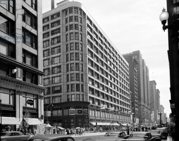 A view of the Carson, Pirie, Scott & Company department store at the corner of Madison Street and State Street in Chicago, Illinois, designed by Louis H. Sullivan, constructed between 1899 and 1904. Photographed by Richard Nickel, July 1967.