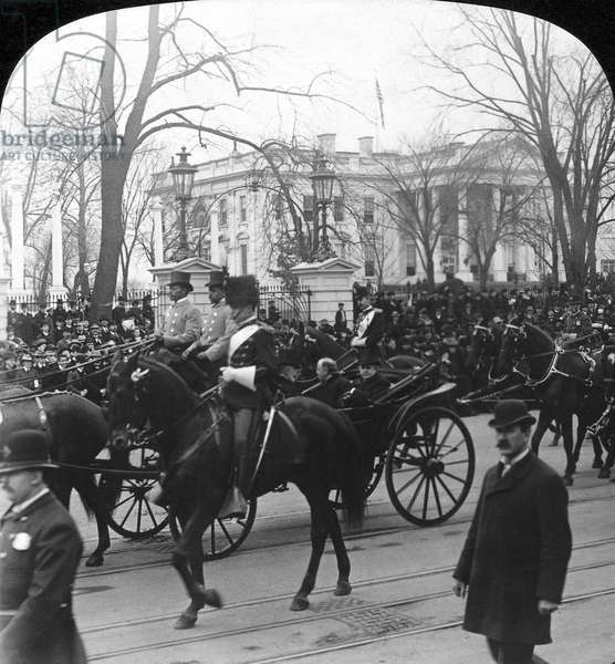 McKINLEY INAUGURATION, 1901 President William McKinley leaving for the Capitol building during his second inauguration on 4 March 1901.