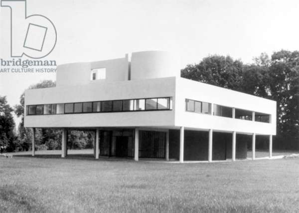 THE VILLA SAVOYE Poissy, France (1929-31), designed by Le Corbusier, the assumed name of Charles-Édouard Jeanneret-Gris.