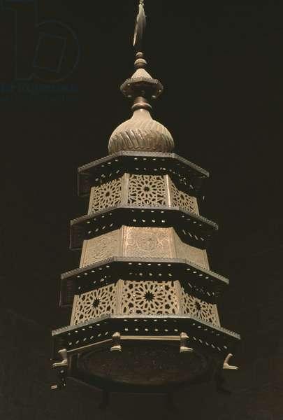 Madrasa Al Ashraf Barsbay, a lamp (photo)