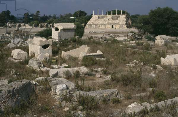 View of the Roman cemetery and the hippodrome (photo)