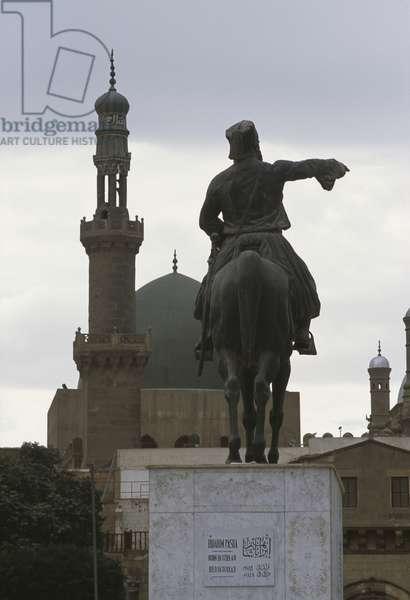 Statue of Ibrahim Pasha and al-Nassir Muhammad Mosque, Cairo Citadel (photo)