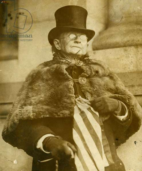 Mary Walker L elder of suffragettes in America Ardent woman's rights lawyer Photography Cosmia Agency around 1910