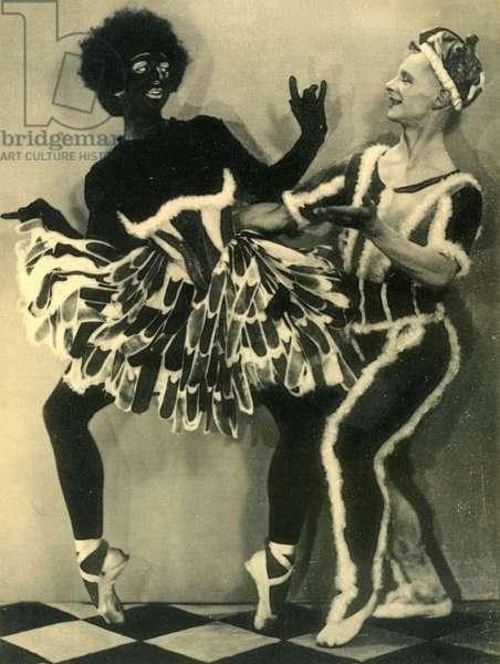 Scene de Jack in the box aux Ballets russes Photo Man Ray 1929