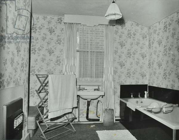 15 Arbery Road, Tower Hamlets LB: bathroom, 1973 (b/w photo)