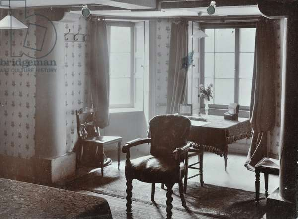 Crewe House, 15 Curzon Street, Westminster LB: stewards room, 1908 (b/w photo)