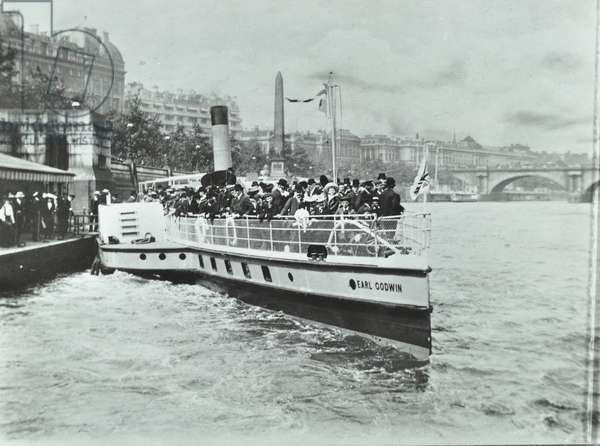 London County Council River Steamer leaving Charing Cross Pier, 1905 (b/w photo)