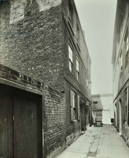 3-4 Cheshire Place, Bethnal Green, 1944 (b/w photo)