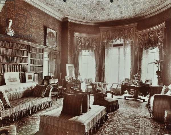 Battersea Rise house, library, London, 1907 (b/w photo)