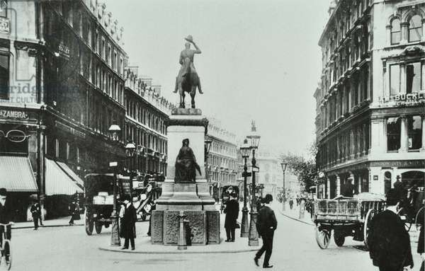 Holborn Circus, looking east, City of London, 1909 (b/w photo)