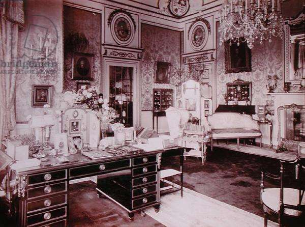 The Queen's Boudoir, Buckingham Palace, 1914 (photo)